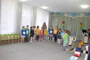 Сотрудники Госавтоинспекции приняли участие в мероприятии – развлечении «Знатоки ПДД»